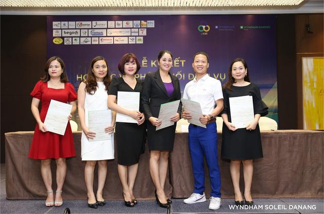 Lễ ký kết hợp tác phân phối dịch vụ tại Wyndham Soleil Đà Nẵng