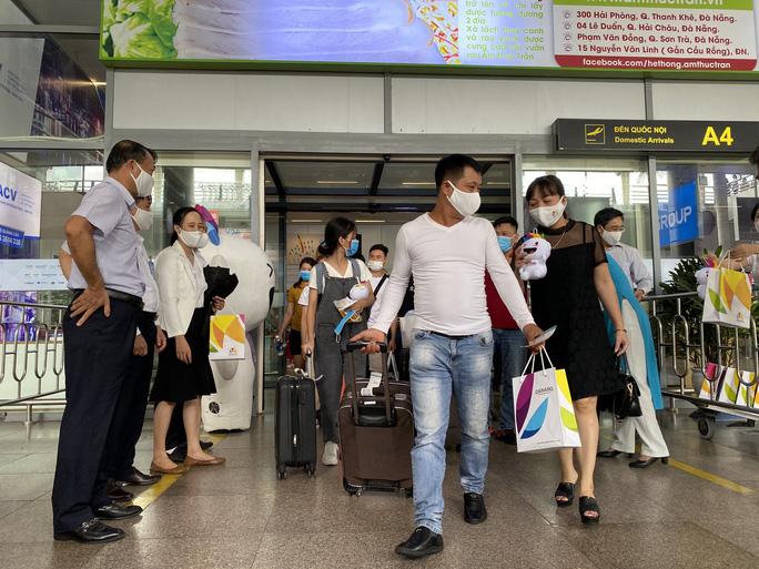 Khách du lịch đến Đà Nẵng sau dịch Covid-19